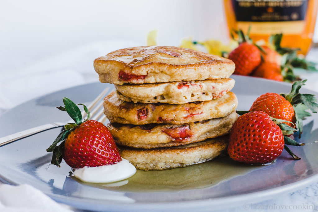 Strawberry Sour Cream Pancakes - How to Love Cooking