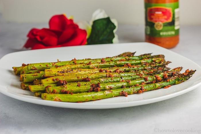 Christmas side dish idea! Red Pesto Roasted Asparagus Spears
