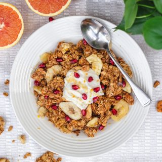 Honey Orange Granola, Granola with honey and orange zest #homemadegranola #healthybreakfast #orange #healthyrecipes