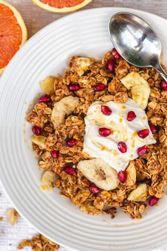 Healthy Breakfast Granola Recipe with Honey and Fresh Orange Zest #granolarecipe #healthybreakfast #orangegranola